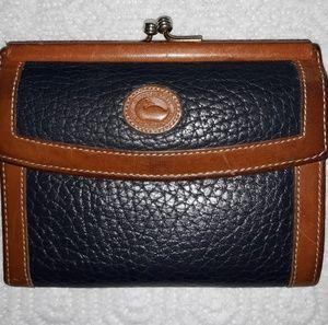 Dooney & Bourke Leather Wallet! (Vintage)